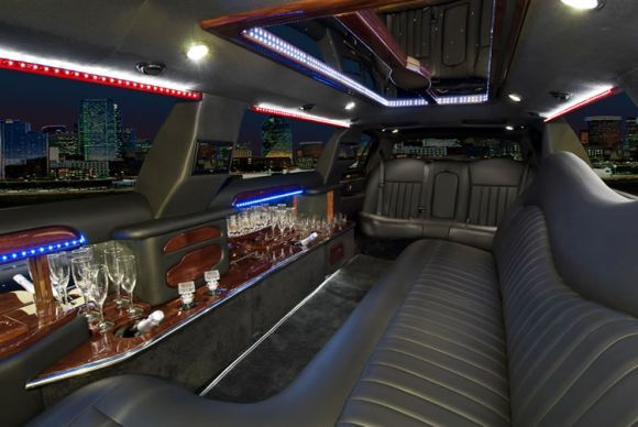lincoln-limo-interior.details