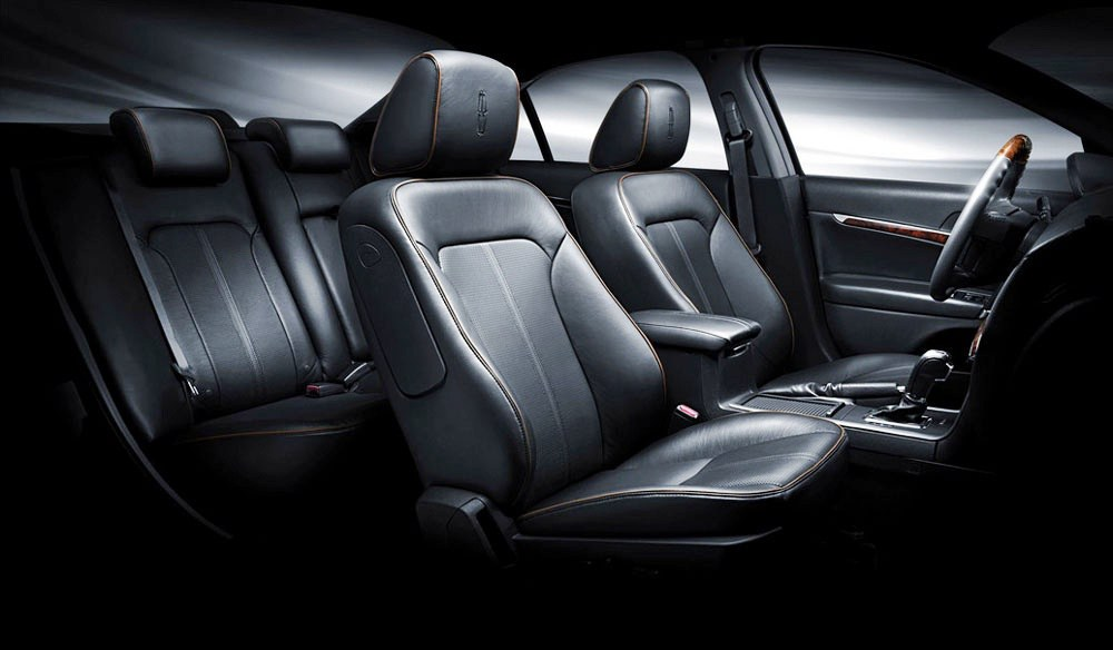 2012-Lincoln-MKZ-Hybrid-Interior-Seating-for-comfort